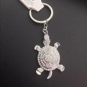 Accessories - Silver turtle keychain